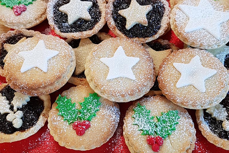 Christmas-Bake-Off-2017-Winner-Mince-Pies